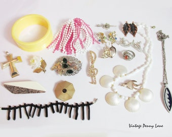 Fun Vintage Costume Jewelry / Jewellery,  Destash Lot