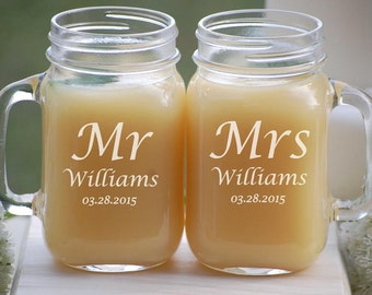 Personalized Wedding Gift, Mr and Mrs Mason Jar Mugs, Rustic Wedding Gift, Mason Jar Set, Couples Wedding Gift, Mason Jar Engagement Gift