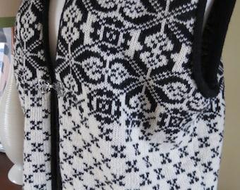 skjavealand Knitwear Fair Isle Sweater Vest Norway. 40 bust size 10
