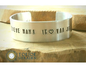 Mother Bracelet with text