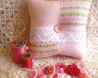 Pink Patchwork Pincushion,Victorian Pincushion, Floral Pincushion,Patchwork Pincushion,Lace Pincushion,Square Pincushion,Pin Keep