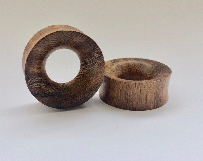 """Concave Hollow Wood Tunnels. 0g /8mm, 00g /10mm, 1/2"""" /12.5mm, 9/16"""" /14mm, 5/8"""" /16mm, 3/4"""" /19mm, 7/8"""" /22mm, 1"""" /25mm"""
