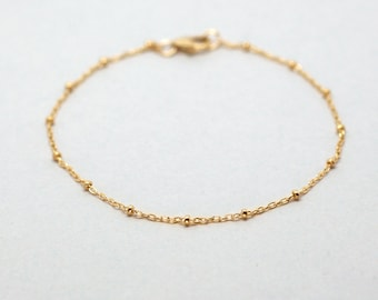 Dainty Beaded Satellite Bracelet. Simple and Everyday Bracelet. Gold Bracelet 14k Gold-filled. Sterling Silver. Dainty Chain Bracelet