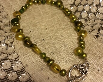 BRACELET: Such a Fun Quirky Green Beaded Bracelet with a Beautiful Decorative Silver Toggle Clasp