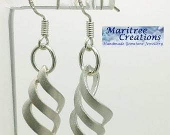 925 sterling silver lattice earrings.
