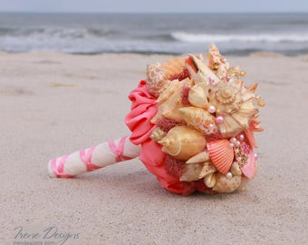 Seashells Bouquet. Coral and Gold Seashells Bouquet. Beach Wedding Seashell Bouquet. Beach wedding accessories