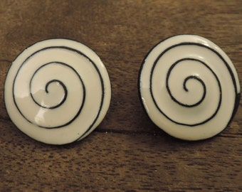 Hypnotized Eyes Enamel Clip Earrings 1980s