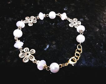 Dainty pink and pearl bracelet with gold accent flowers