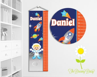 Personalized Space Rocket Growth Chart for Kids - Custom Boys' Growth Chart w/ Name - Hanging Wall Height Chart - Astronaut Kids' Room Decor