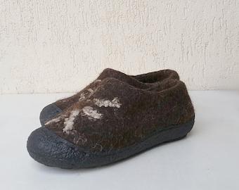 READY to SHIP size eu 36/US women 6  Felted wool clogs linen sun with rubbertoe soles