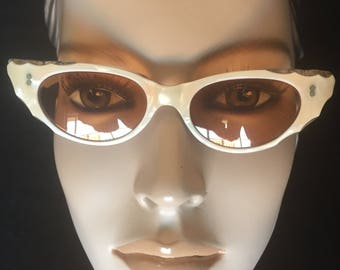 True Vintage 1950s French Lucite Cats Eye Sunglasses Small Fit