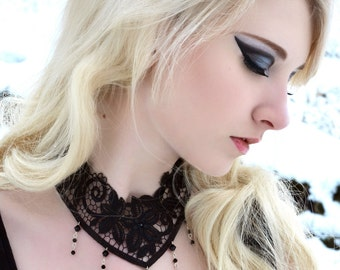 Gothic steampunk choker with victorian lace and Jet black Swarovski NOCTURNE