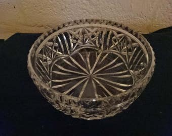 Very Elegant Crystal Cut Glass Bowl/Vintage