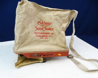 Vintage Cyclone Seeder Co Hand Crank Grass Seed Sower Spreader, collectable