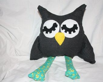 Stuffed owl homemade, made to order, plush owl, owl toy, children's stuffed animal, owl pillow, owl decor, stuffed animal, personalized owl