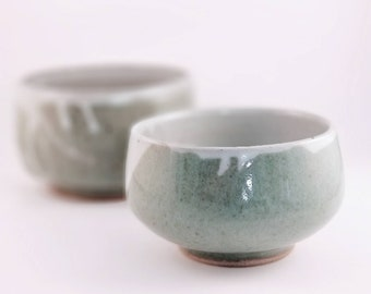 Set of 2 Bowls in Sage and White