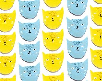 Happy cat pin/magnet