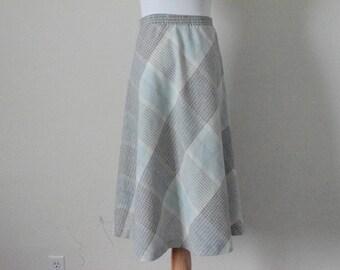 FREE usa SHIPPING vintage A-line skirt/ midi skirt/ mid calf length/ plaid skirt/ polyester recycled wool acrylic/ size 11-12