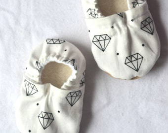 diamond baby shoes monochrome girl shoes baby girl monochrome baby clothing diamond baby clothes sparkle baby shoes black white baby booties
