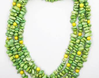 """88"""" green magnesite chip necklace"""