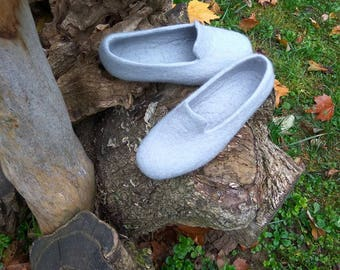 Felted clogs Minimalist design Womens home shoes Women slippers Wool boiled slippers Felt loafers Gift for her Gift under 50 Grey