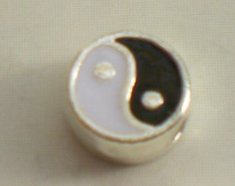 """""""Yin and yang"""" bead black and white 6 mm"""