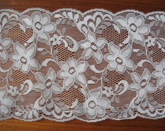 Extra Wide 80's Vintage Soft Warm Cream/Ivory Coloured Lace, Wedding Lace, Boho Wedding Accessory Supplies, Sewing Supplies Lace Crafts