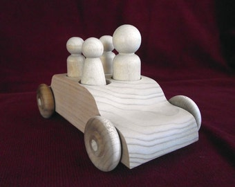 Family Sedan with Peg Dolls, Unfinished Wood