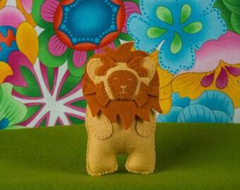 Felt Lion Sewing PATTERN, Luke the Lion, Felt Softie Sewing Pattern, Jungle Animal Pattern, Stuffed Animal Pattern, DIY Handmade Gift