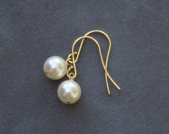 Cream Pearl Earrings Set of 4, Pearl Bridesmaid Jewelry, Gold Pearl Dangle Earrings