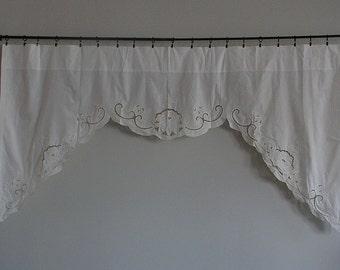 "Curtain Lace Valance Flowers 45"" W x 66"" L Victorian Cottage Chic Vintage White txtl 210"