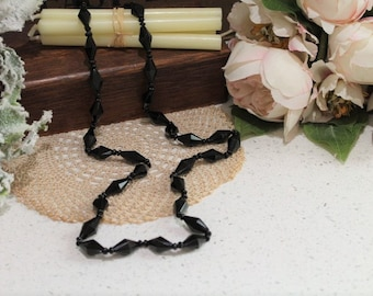 1920's Bead Necklace/Black Glass Bead Necklace/Vintage Necklace/REDUCED(Ref10431G)