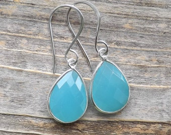 Peru Chalcedony sterling silver earrings / Blue Chalcedony faceted silver earrings / Tear drop Chalcedony / Pear gemstones