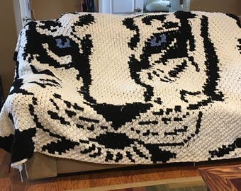 Crocheted white tiger 68 x 94