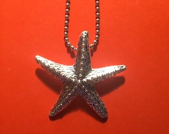 Silver starfish pendant necklace