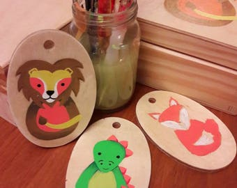 Hand painted wooden keyring