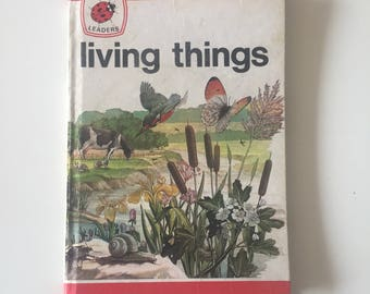 Vintage Retro 1970s 70s Ladybird Leaders childrens book - Living Things 1975