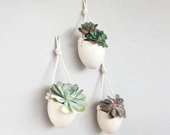 Set of 3 Spora w/ rope: porcelain hanging planters