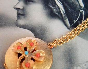 Vintage Locket, Four Leaf Clover,Boho Vintage ,Gold Tone,Round Locket Necklace, Photo Locket, Orange Blue, Locket Jewelry,lucky locket