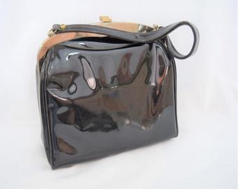 Vintage 1950s 1960s black patent leather handle top handbag