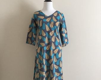 Handmade Vintage 3/4 Sleeve Tan and Blue Leaf Tunic / Women's Size Small