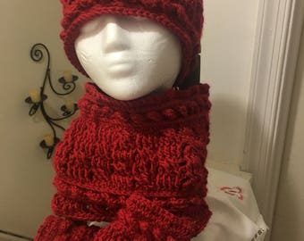 Cabled winter hat set
