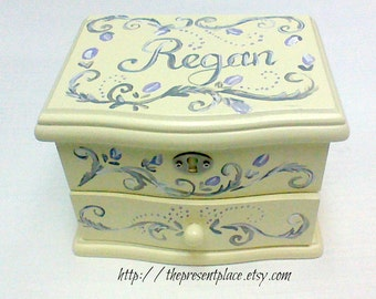 personalized musical jewelry box,grey,gray,lavender,girls jewelry box,musical ballerina jewelry box,personalized gift,kids jewelry box,roses
