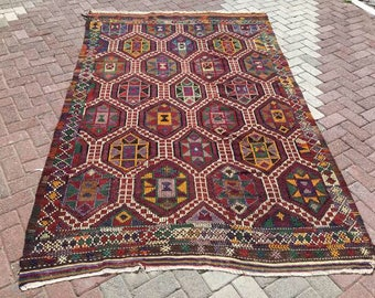 Burgundy Kilim rug, Vintage Turkish kilim rug, area rug, kilim rug, kelim rug, vintage rug, bohemian rug, Turkish rug, rug, tribal rug, 688