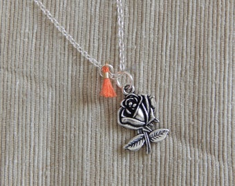 Necklace with Rose shape pendant