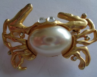Fabulous Unsigned Vintage Gold tone/Faux Pearl/Rhinestone  Belly Crab Brooch/Pin