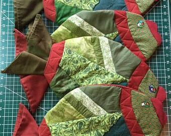 Green Rustic Quilted Fish Placemats with Napkins