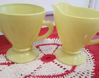 Vintage Hazel Atlas Ovide Chartreuse Creamer and Sugar Set