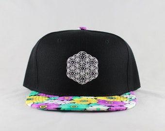 The Circle of Life Sacred Geometry Daisy Floral Print Snapback Hat