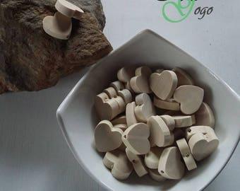 Wooden heart shaped bead raw 2 * 2 cm.